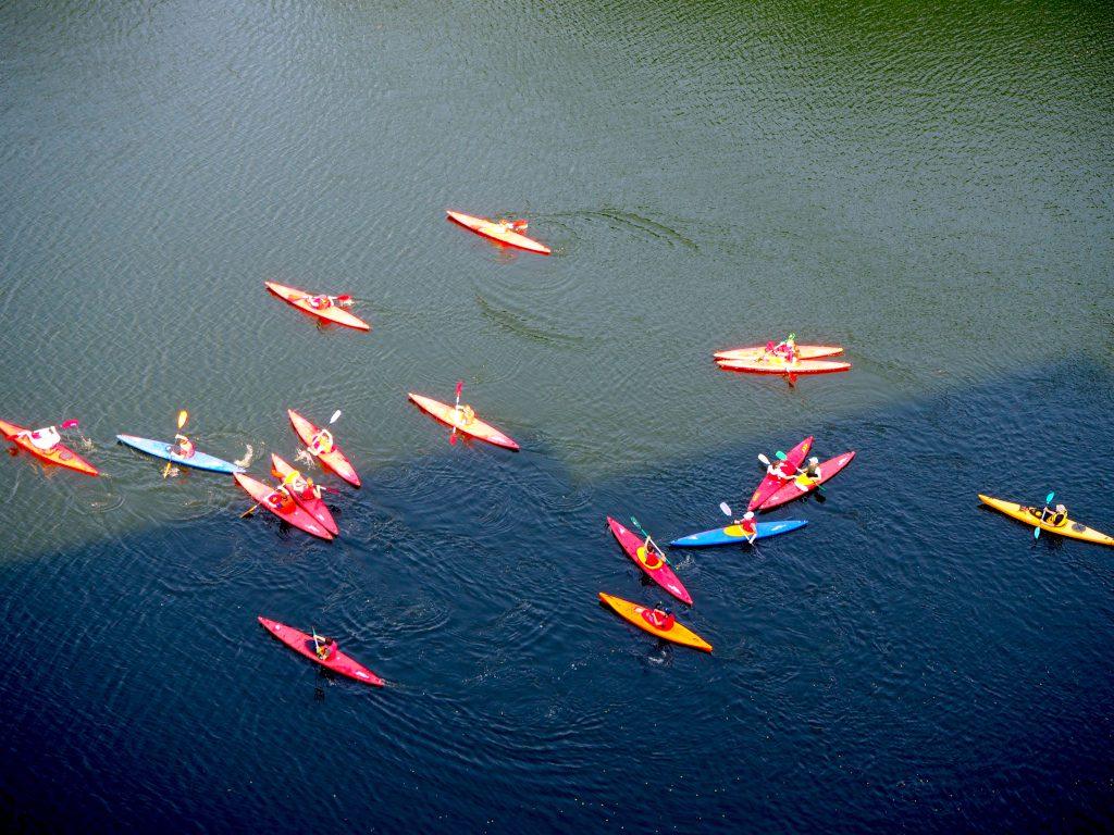 Kanus auf dem See