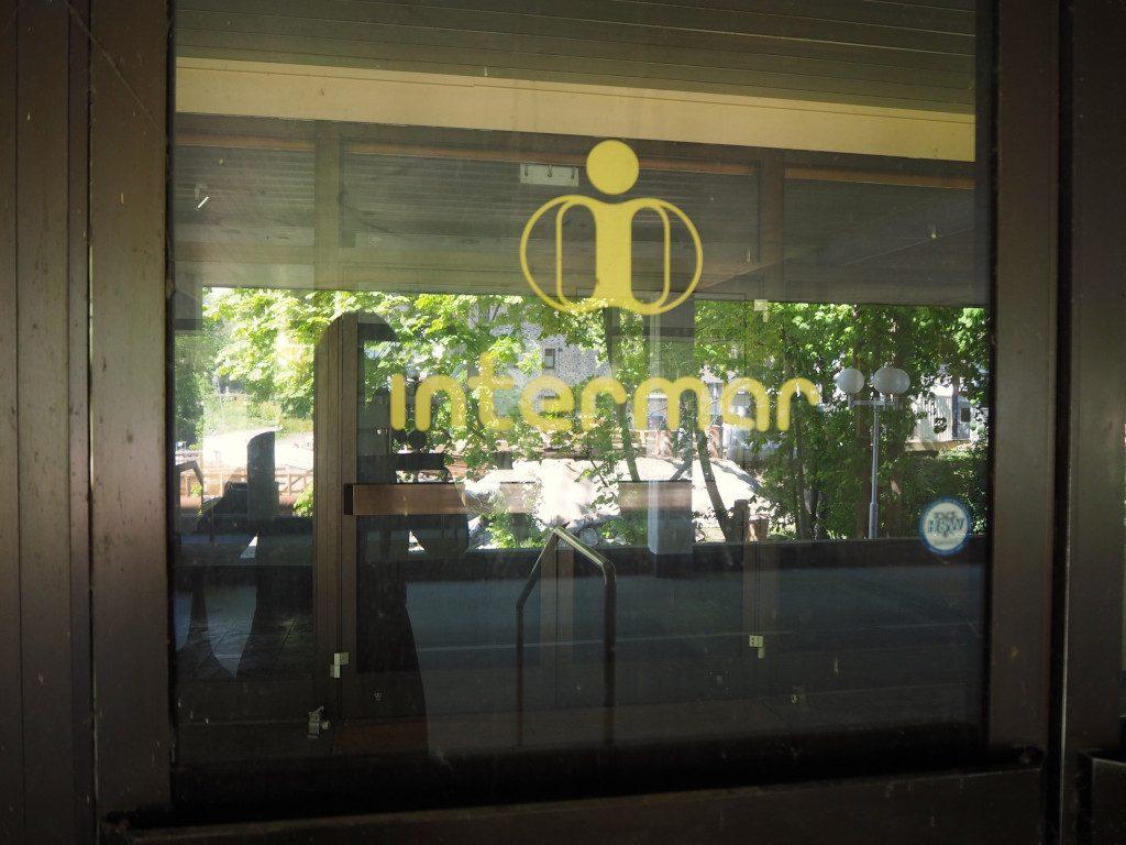 Intermar Hotel Malente Scheibe mit Logo