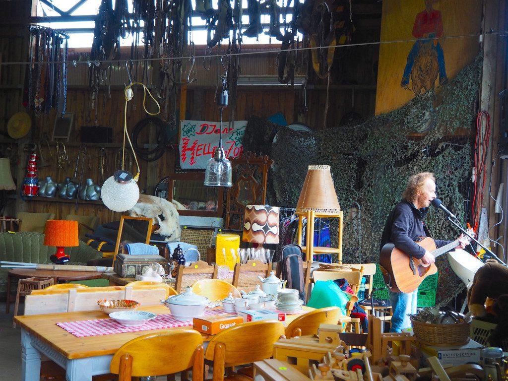 Neukirchen Flohmarkt und Live Musik