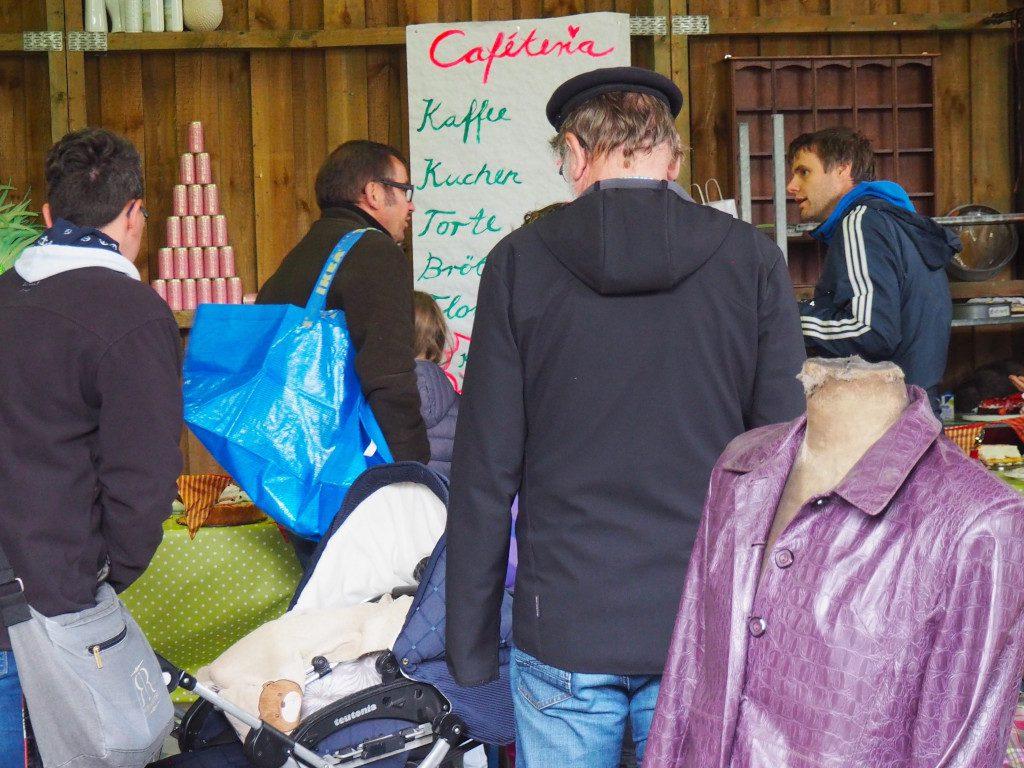 Neukirchen Flohmarkt Kaffee und Kuchen