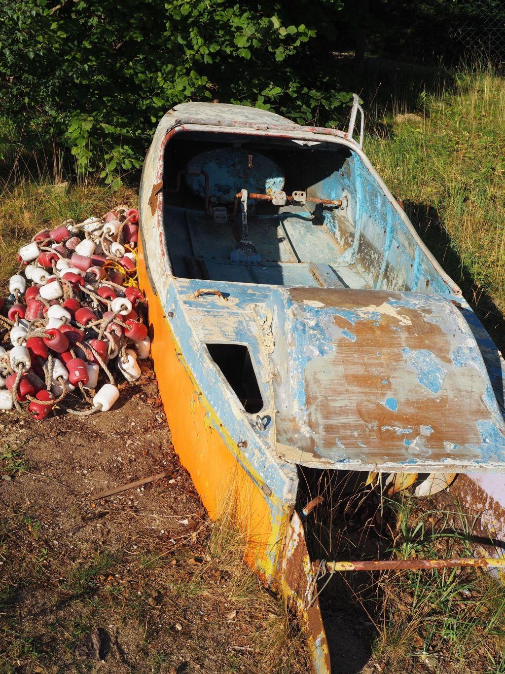 Altes Boot im Strandbad am Dieksee