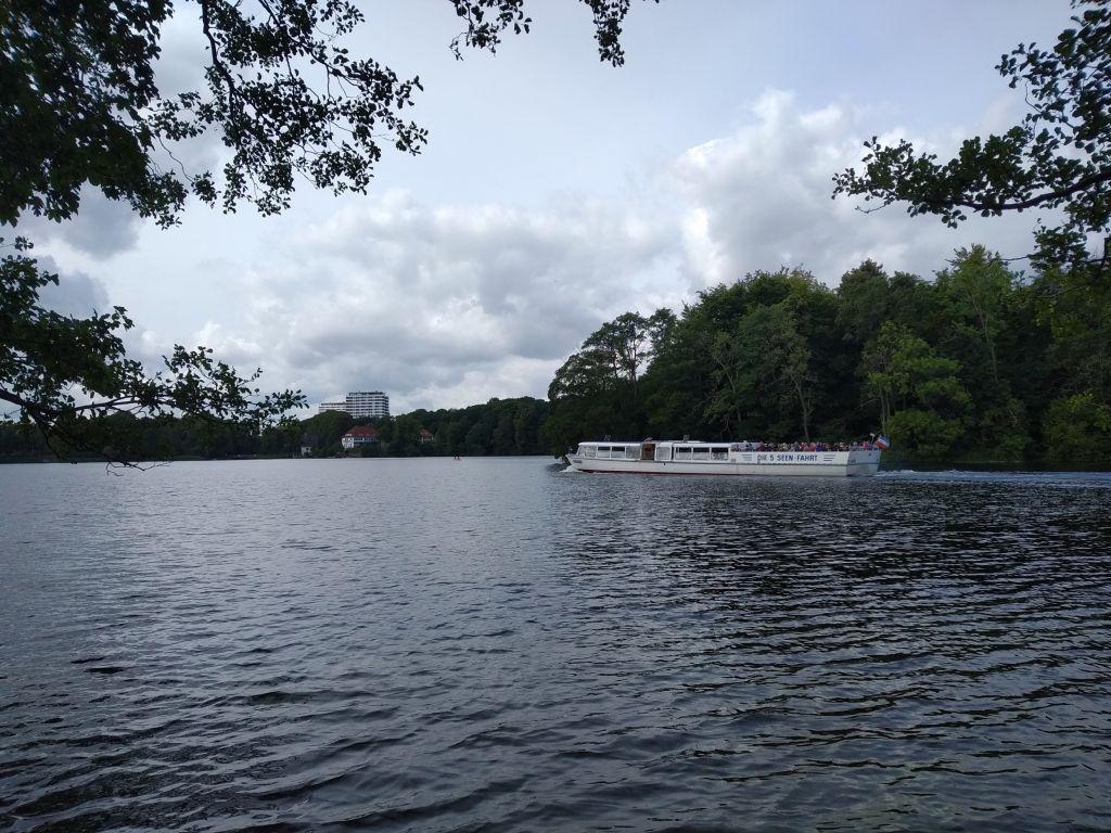 5-Seen-Fahrt zu Fuß oder mit dem Schiff - Plön Fegetasche ist Anleger der 5-Seen-Fahrt