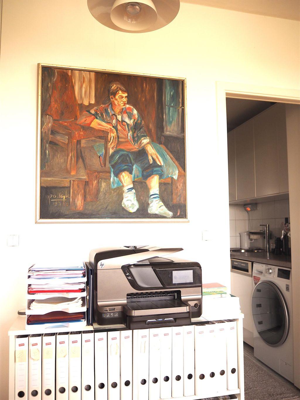 Intermar Miniküche und davor Kunst