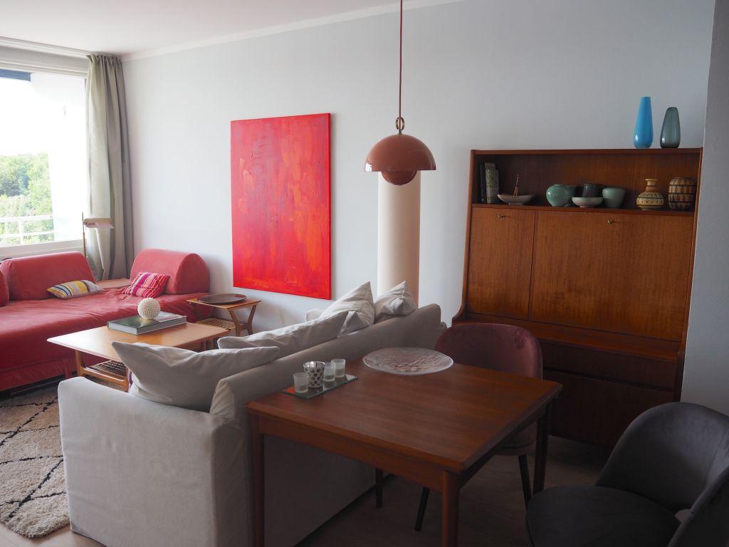 Wohnzimmer mit Kunst und Vintage