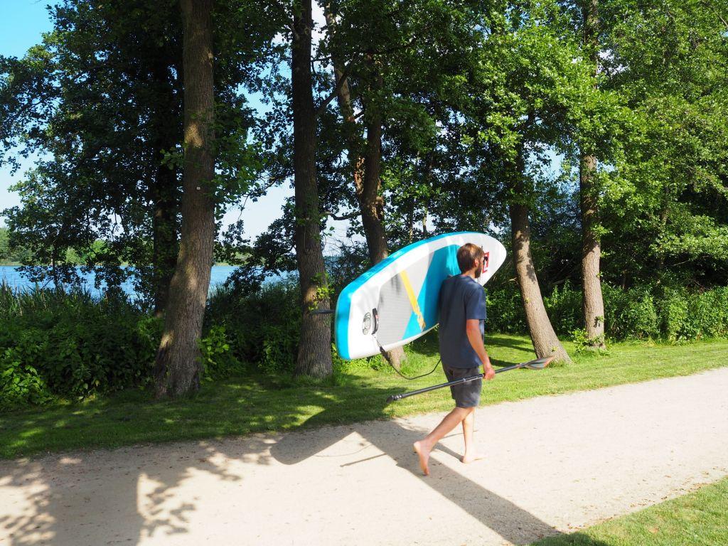 Ab auf die Schulter mit dem Board und auf zum Kellersee